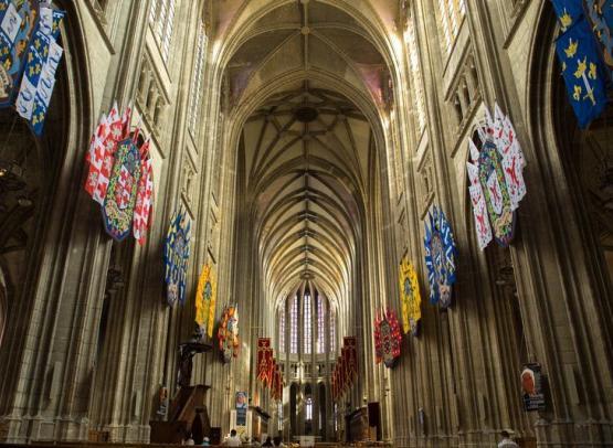 A.Rue-Orleans-cathetrale-nef-plan-large (Copier)