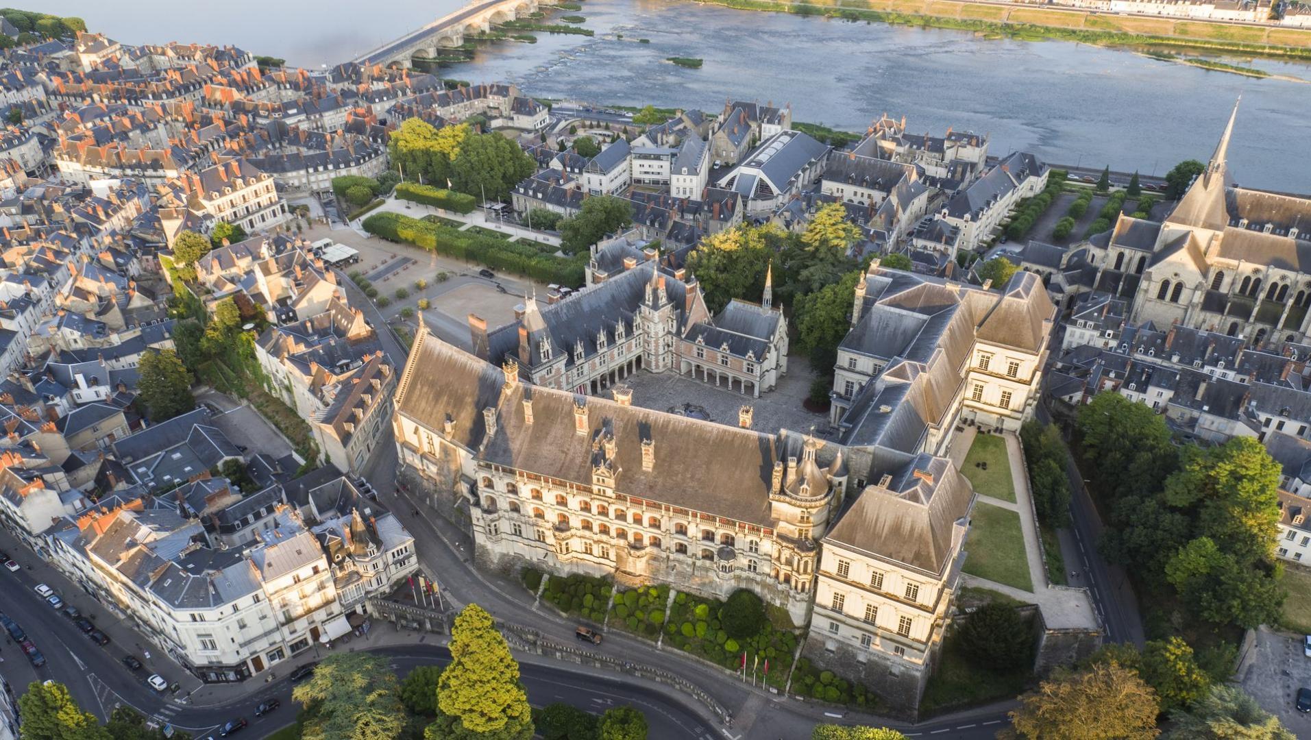 Loire valley ch teaux val de loire une balade en france - Piscine de saint avertin ...