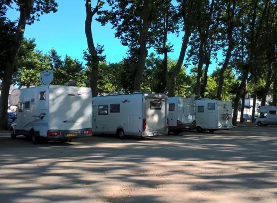 AIRE DE SERVICES POUR CAMPING-CARS A MEUNG-SUR-LOIRE