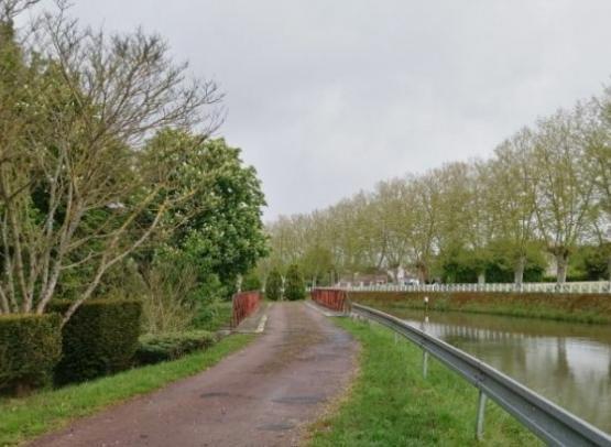 45_Loiret_Chatillon-Coligny_Aire_CampingCarPark_Aire5