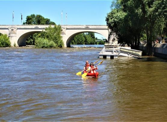 Tours-Canoe--1-