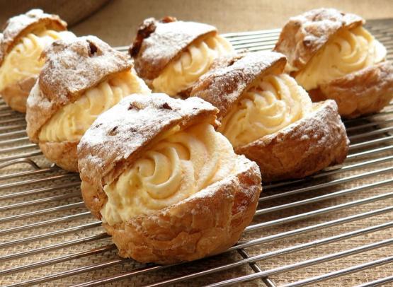cream-puffs-427181_1280