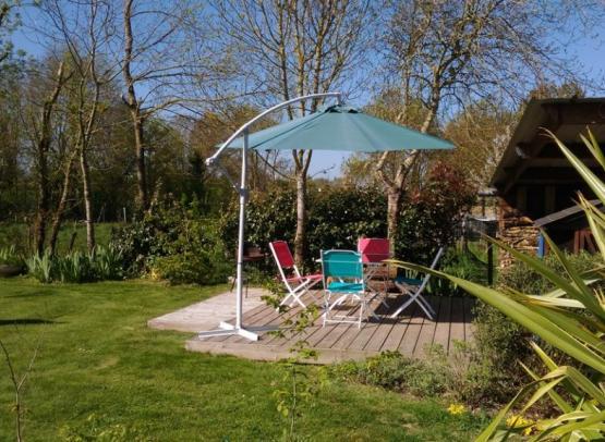 Gite la chevalerie terrasse jardin