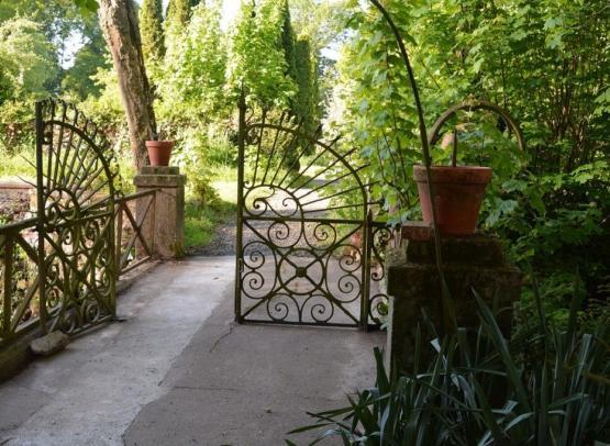 detail-jardin-chateau-tourlandry-chemille-en-anjou-©ChateauTourlandry