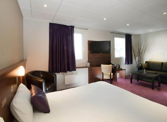 BRIT-HOTEL-LE-CHEOPS--7--2