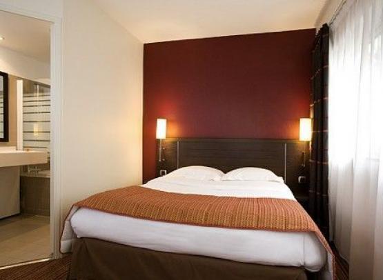 HOTEL IBIS STYLES NANTES CENTRE PLACE ROYALE