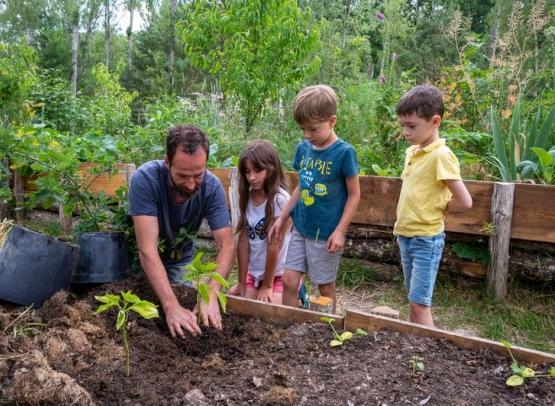 Atelier-jardin-Camping-heureux-hasard-loir-et-Cher-Studio-Mir-7-800x600