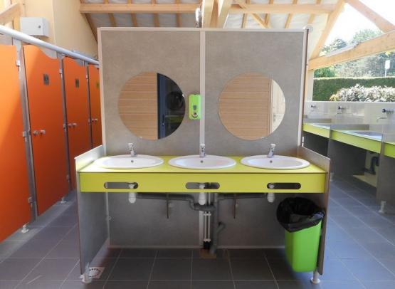 Camping le Jardin de Sully _ Sanitaires (2)