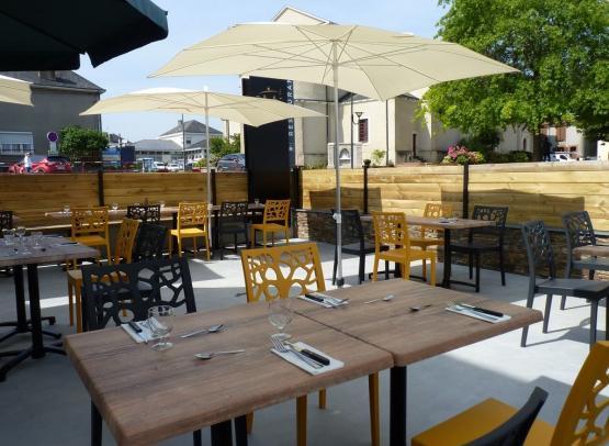 terrasse-restaurant-mine-dor-mse-saint-pierre-montlimart-osezmauges-anjou©Mine d'Or