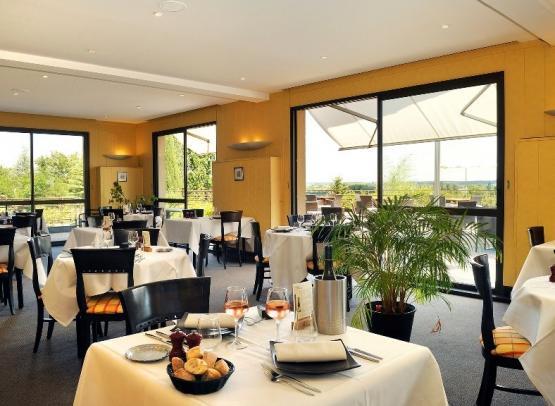 Salle de Restaurant  Les Terrasses Luccotel Loches