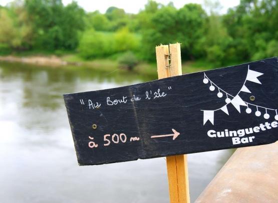 TIS-panneau-guinguette-au-bout-de-lile-montjean-sur-loire-mauges-sur-loire