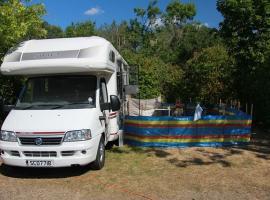 camper-van-1583713-640