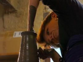 bernadette-poterie-ferriere-larcon-vadeloire