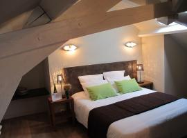 2015-chambres-hotes-galissonniere_lepallet_-HLO-Chambre Arbre de Judée