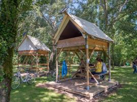 campsite-farm-guyonnière-pommeraye-Loire-by-bike-Anjou