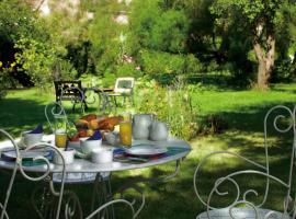 (10)petit-dejeuner-au-jardin-auberge-du-centre-chitenay©ELIOPHOT