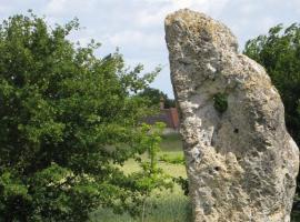 Menhir de la Pierre Percée