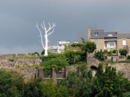 lunar_tree_jour-nantes-pcu-1jpg
